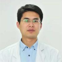 潘旭峰医生